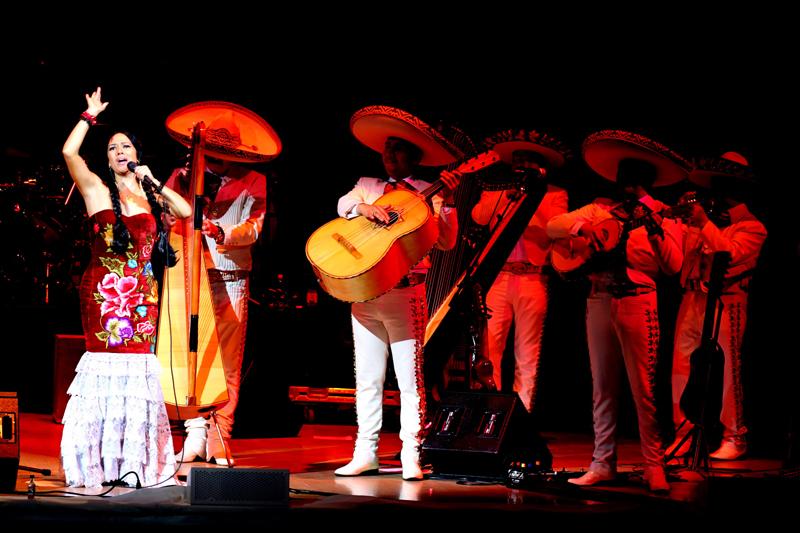 Lila Downs se prepara para cantar en San José