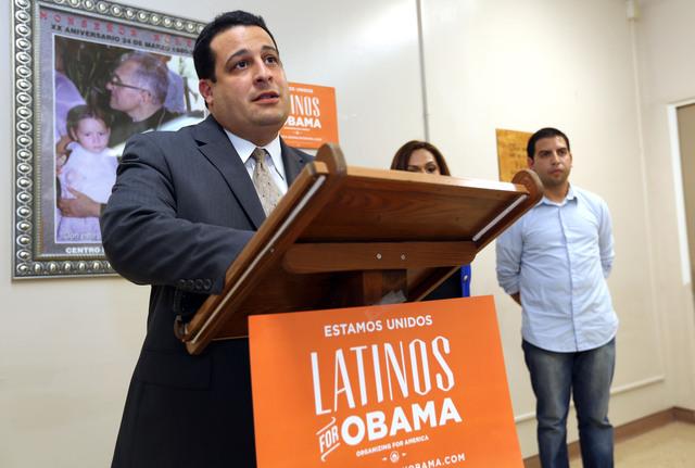 Latinos  demuestran su apoyo a Obama