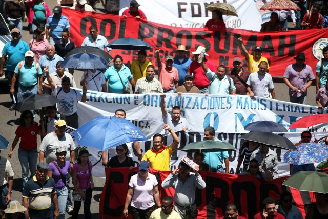Maestros de Honduras anuncian huelga nacional