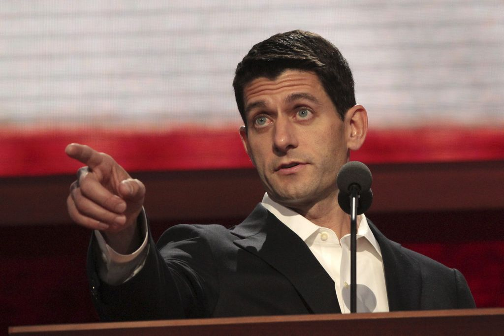 Ryan aprovecha los reflectores para atacar a Obama