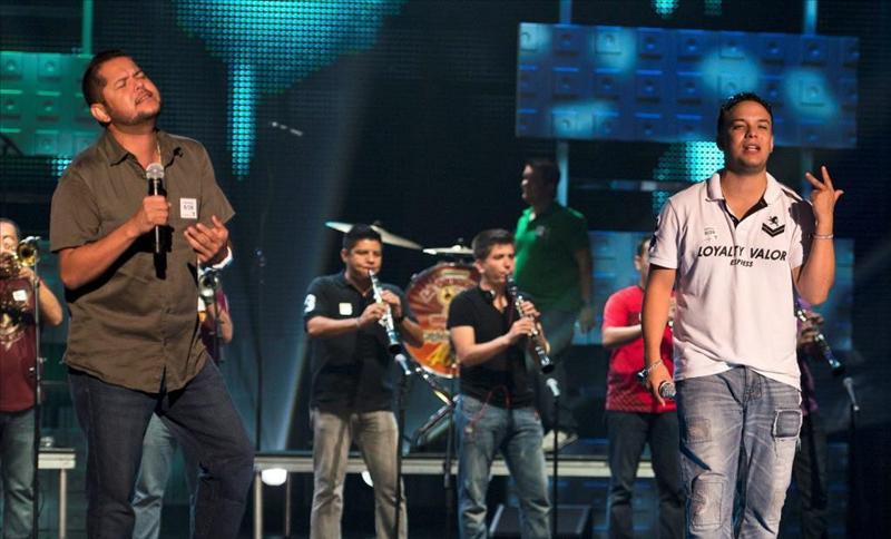 """La Banda Limon ensaya este miércoles para la primera edición de los """"Premios Tu Mundo""""."""