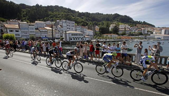 Este pelotón de seis ciclistas protagonizaron el escape de ayer.
