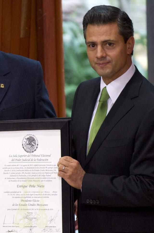 Mientras Enrique Peña Nieto era declarado oficialmente presidente electo de México, seguidores de la izquierda  mostraban su descontento.