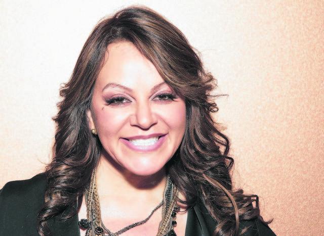 Jenni Rivera dice ser una mujer feliz, plena y tranquila.