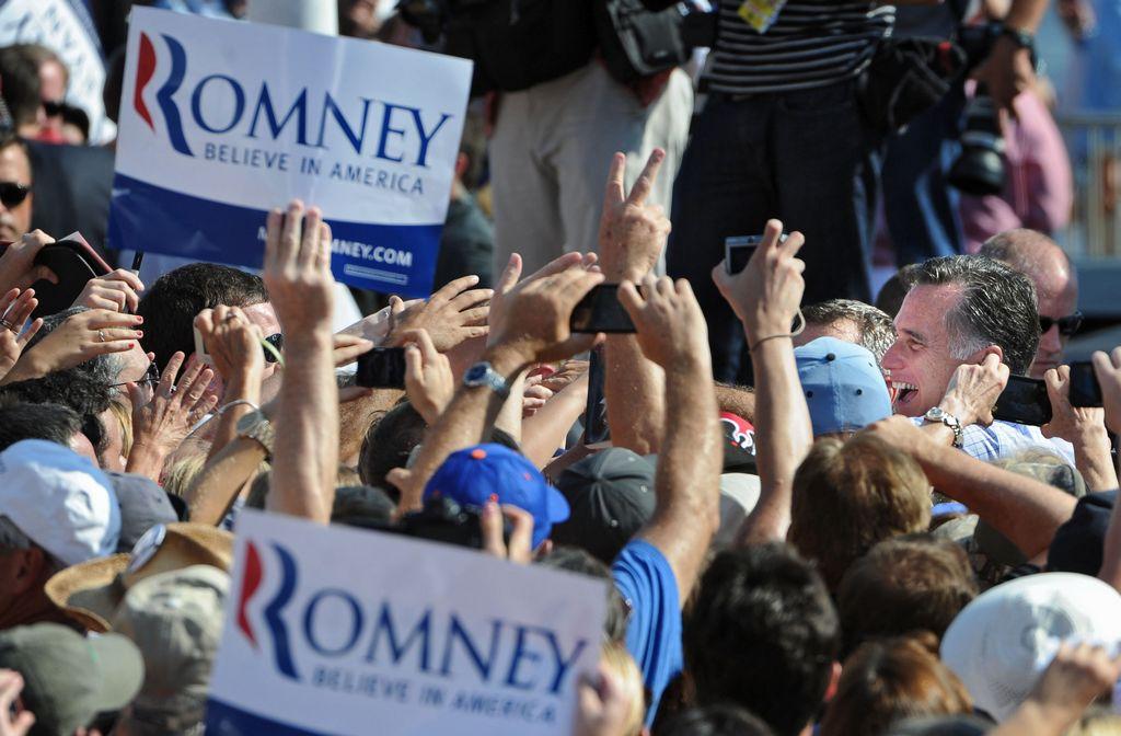 Romney lidera Carolina del Norte, sede de reunión demócrata