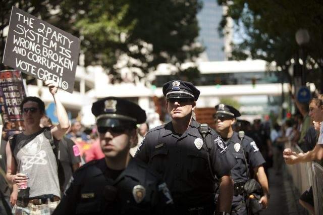 Máxima seguridad en Charlotte por Convención Demócrata (Fotos)