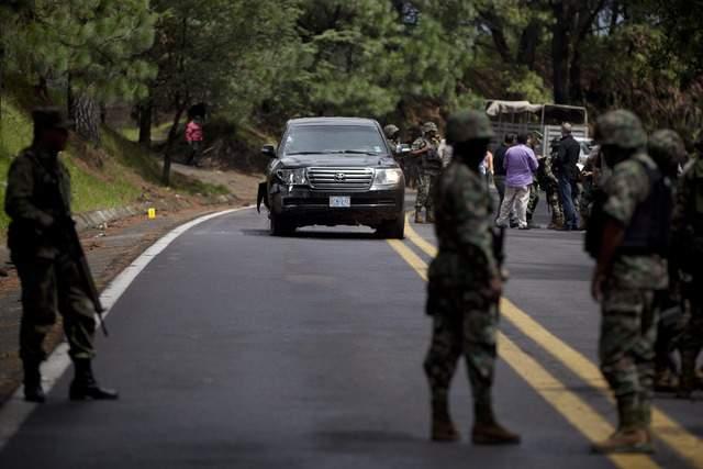 México sancionará a policías que atacaron a agentes de EEUU