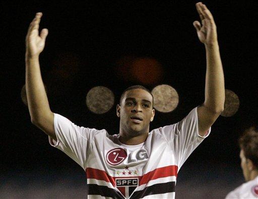 Adriano vuelve a faltar a entrenamiento con el Flamengo