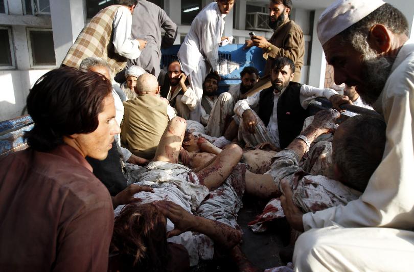 Al menos 20 muertos y 50  heridos en funeral en Afganistán (Fotos)