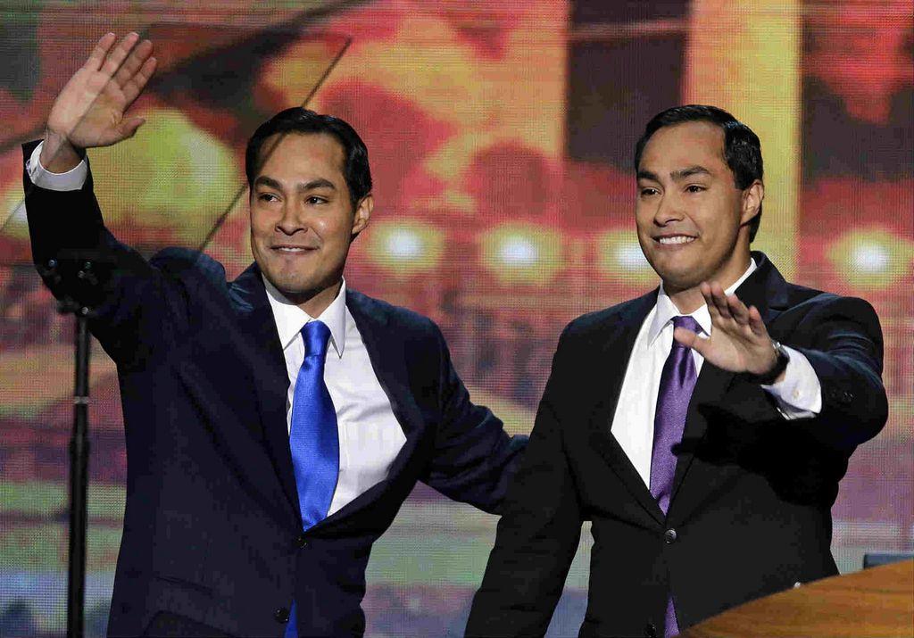 Convenciones resaltan divisiones de hispanos (fotos)