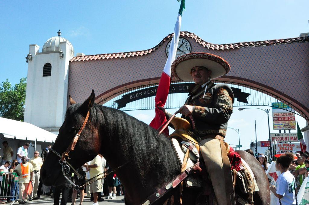 Recordarán a dueño de Taquería Atotonilco en desfile