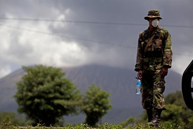Desalojan a 3,000 en  Nicaragua por volcán