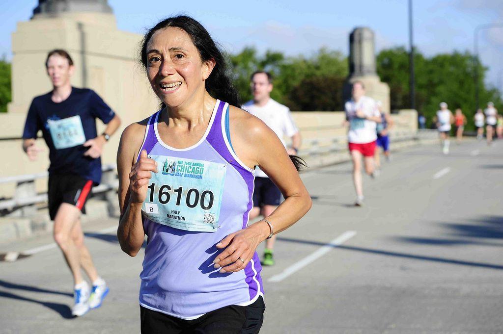 Latinos destacan en el Medio Maratón de Chicago (Fotos)