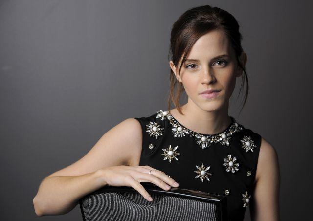 Emma Watson prueba la vida de una adolescente normal (Fotos y video)