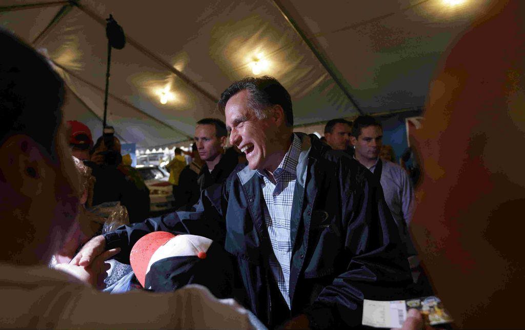 Romney mantendría partes clave de 'Obamacare'