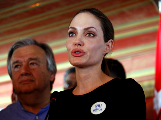 Angelina Jolie pide ayuda para refugiados sirios (Fotos,Video)