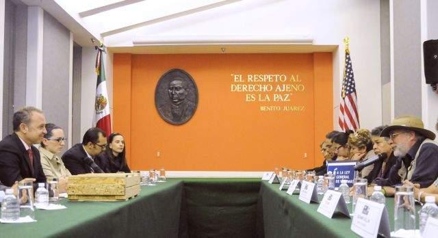 Sicilia busca que armas compradas en Texas lleguen a Casa Blanca (Fotos)