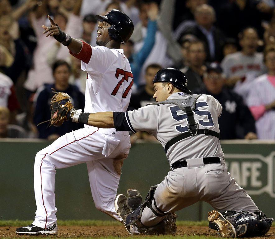 Red Sox 4-3 a Yankees que son alcanzados
