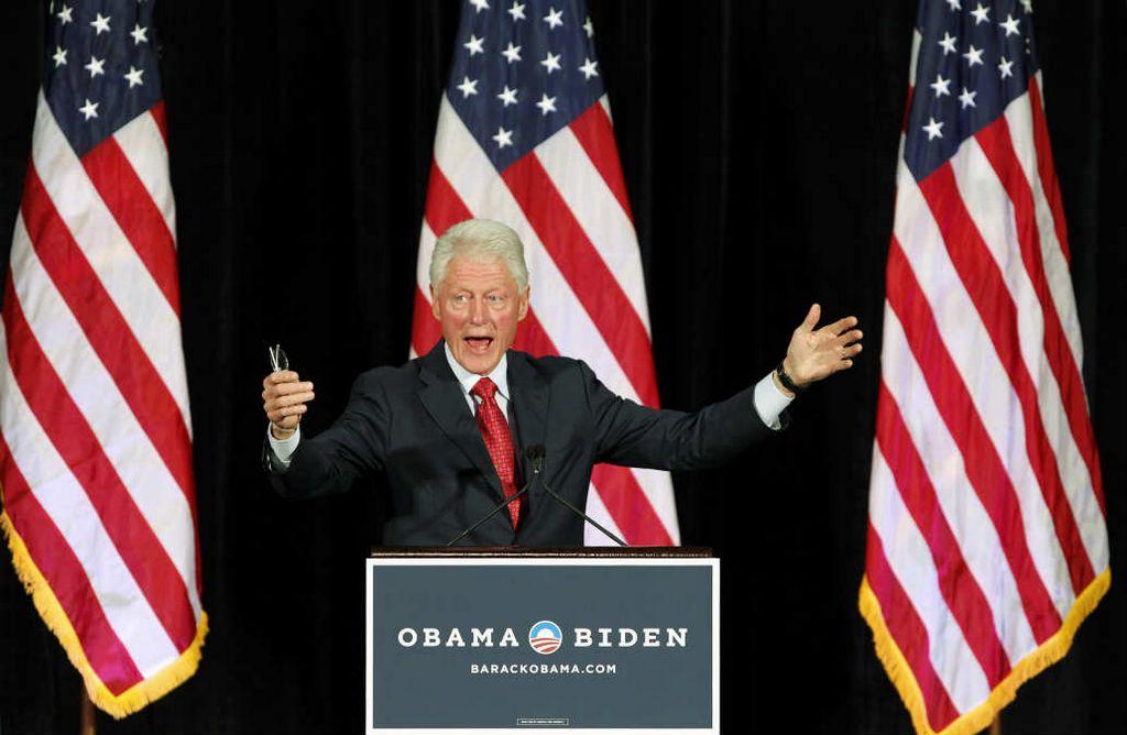 Bill Clinton pide a electores que acudan a las urnas [Fotos]