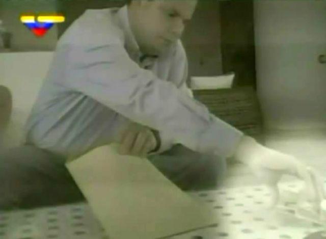 Chavismo denuncia y Capriles replica en caso de soborno