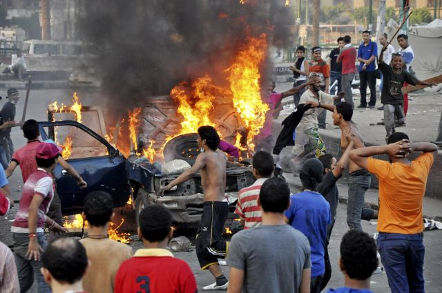 Al Qaeda insta a expulsar a embajadores de EEUU (fotos)