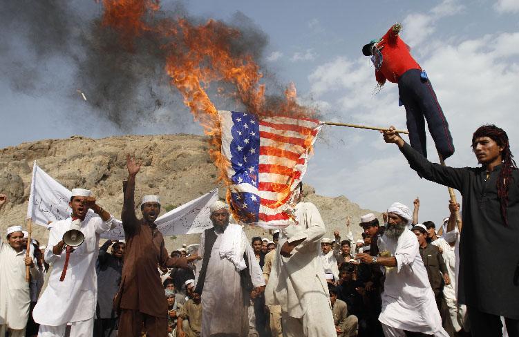 18 muertos en ataque talibán donde se encontraba el príncipe Enrique (Fotos)