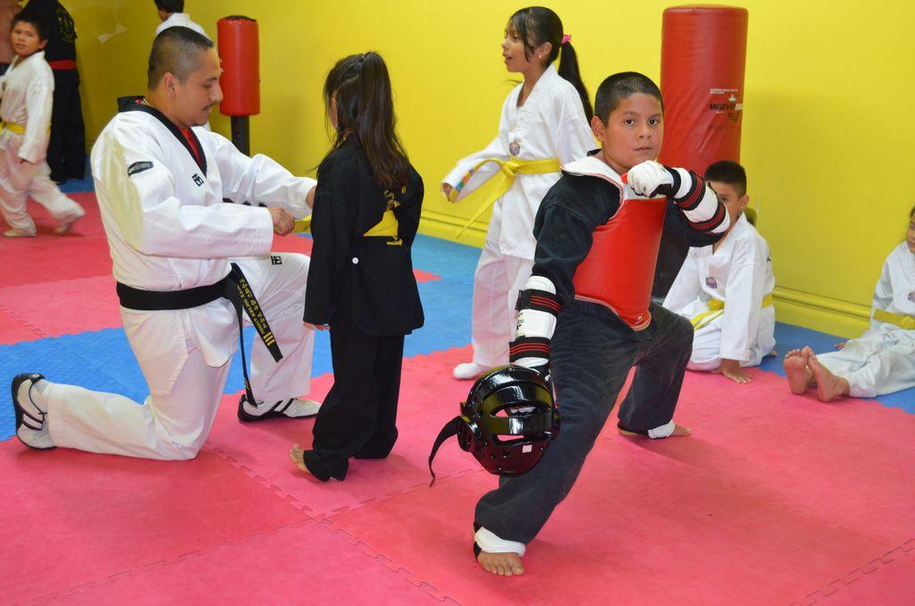 Combaten la obesidad con las artes marciales