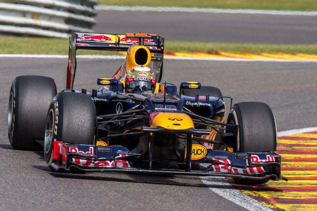 F1: Red Bull y Lotus buscan meterse en la pelea