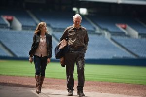"""Eastwood estrena """"Trouble with the curve"""" (Video)"""