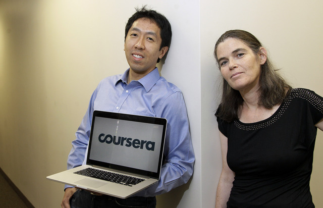 Más universidades dan cursos gratis en línea
