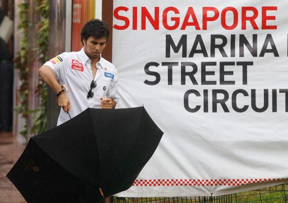 F1: Sauber de Checo Pérez tiene problemas en Singapur