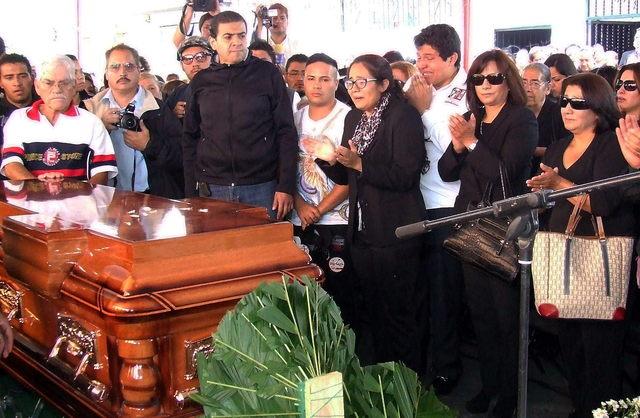 Esposa mata a diputado del PRI     Fiscalía revela que diputado mexicano murió por lesión causada por su esposa