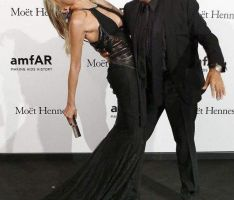 Sharon Stone recauda fondos contra sida tras hospitalización (Fotos)
