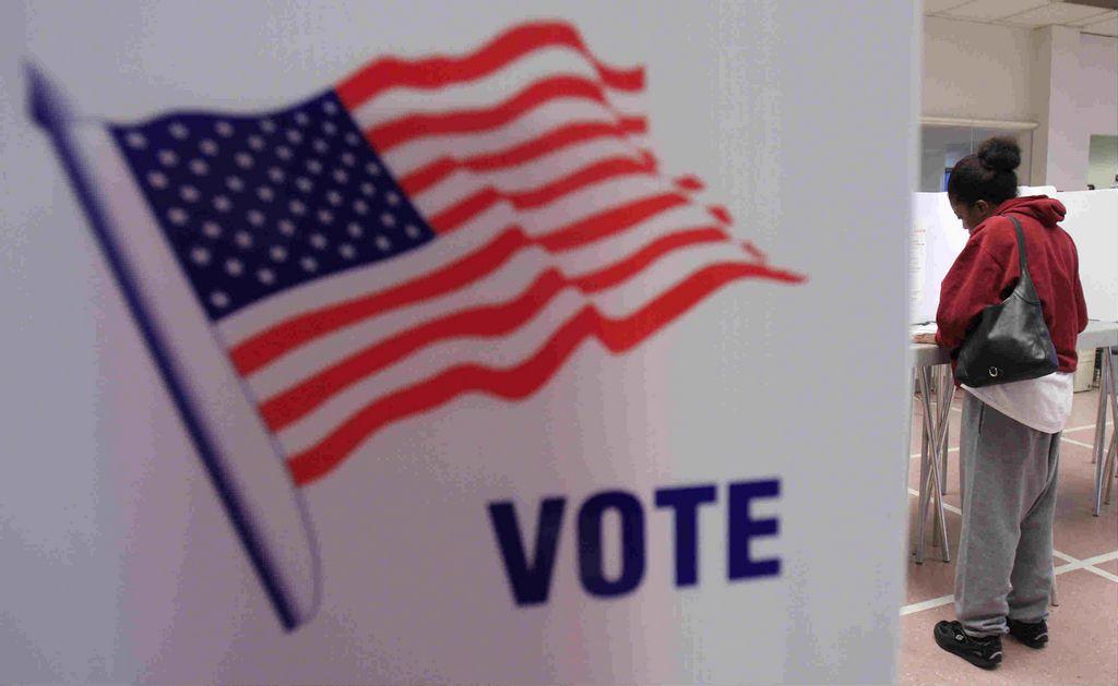 Acusan al Tea Party de poner freno al voto latino