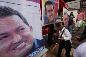 Encuesta da 49.4% a favor de Chávez