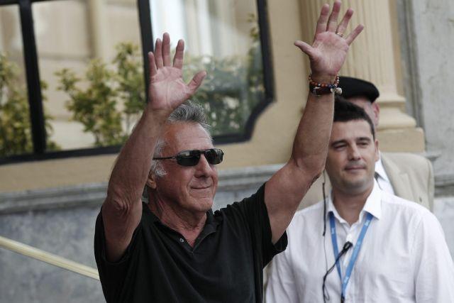 Dustin Hoffman llega a San Sebastián para recibir Premio Donostia (Fotos y video)