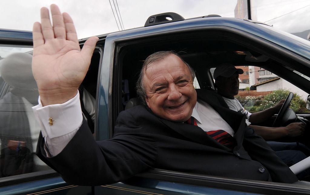 Hombre más rico de Ecuador debe $100 millones al fisco (Fotos)
