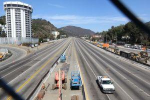 Reabren la autopista 405 antes de lo programado en LA