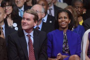 Obama inicia debate felicitando a Michelle (Fotos)