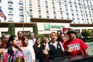 Empleados  demandan a  Holiday Inn
