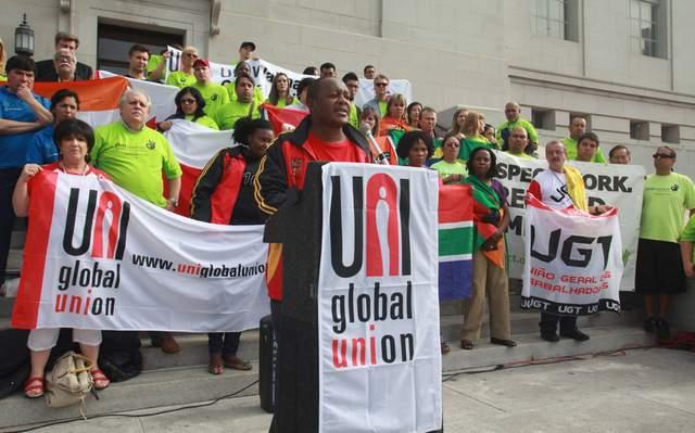 Trabajadores piden   más   derechos