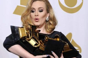 Adele sigue acumulando premios (Fotos y video)