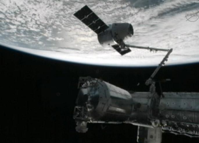 El Dragón atraca en la Estación Espacial Internacional (Fotos)