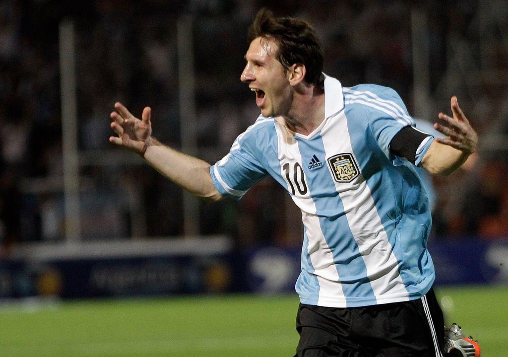 Lionel Messi, ganador del Balón de Oro 2011. 32 jugadores están al acecho.