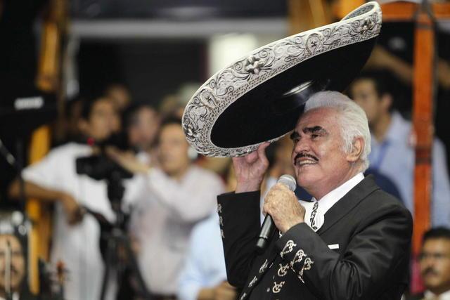 Vicente Fernández se presentó ayer en Guadalajara, donde dijo adiós a los palenques.