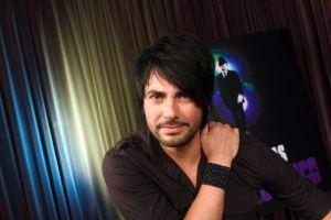 "Beto Cuevas lleva ""show"" acústico a Grammy Latino (Video)"