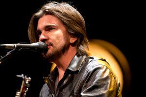 """Juanes busca algo nuevo tras """"Unplugged"""" (Fotos y video)"""