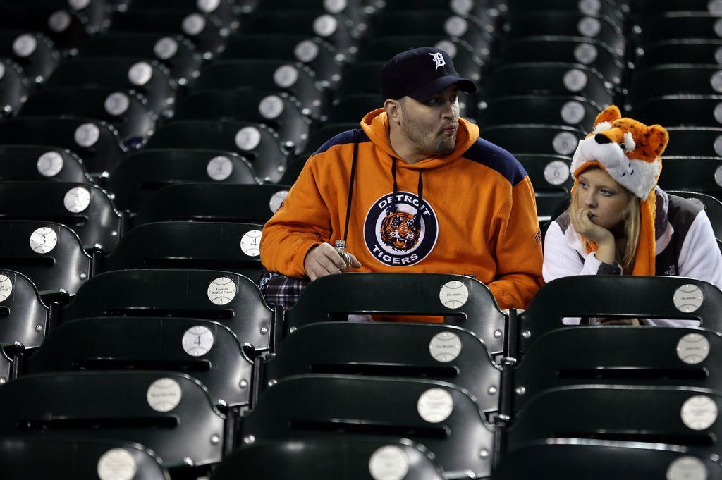 El pronóstico del mal clima y lluvia hizo que el cuarto encuentro entre Yankees y Tigres fuera pospuesto para este jueves.