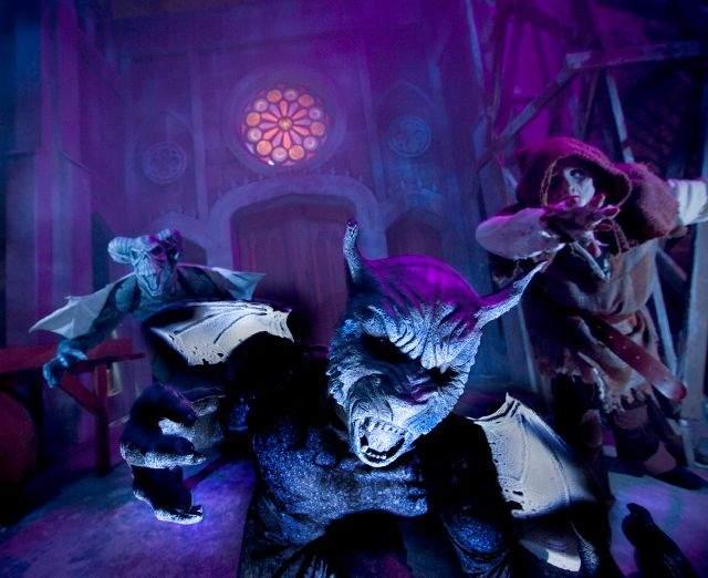 'Gothic' sumerge al visitante en una catedral inundada de extrañas criaturas.
