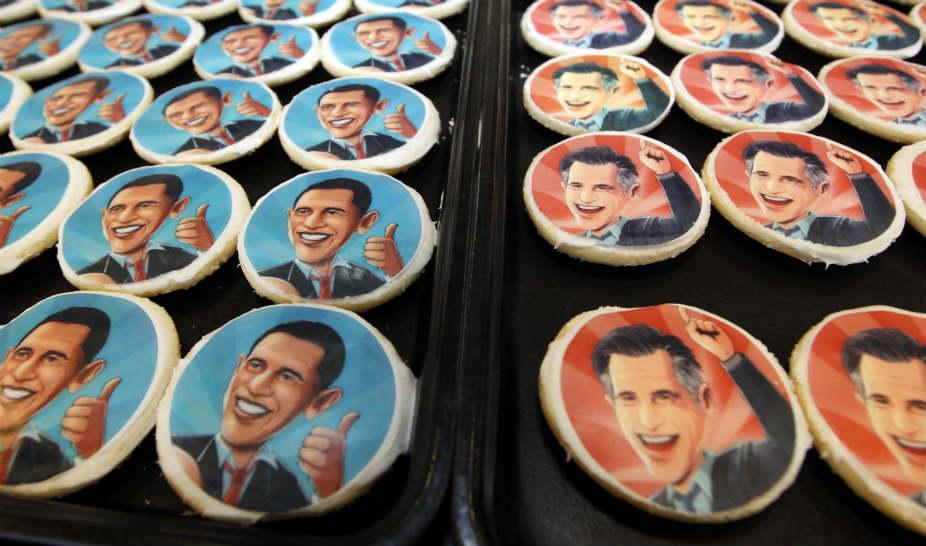Galletas con la imagen de Barack Obama y Mitt Romney se venden en la pastelería Oakmont en Filadelfia.